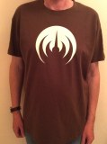 T-SHIRT MARRON/LOGO BLANC